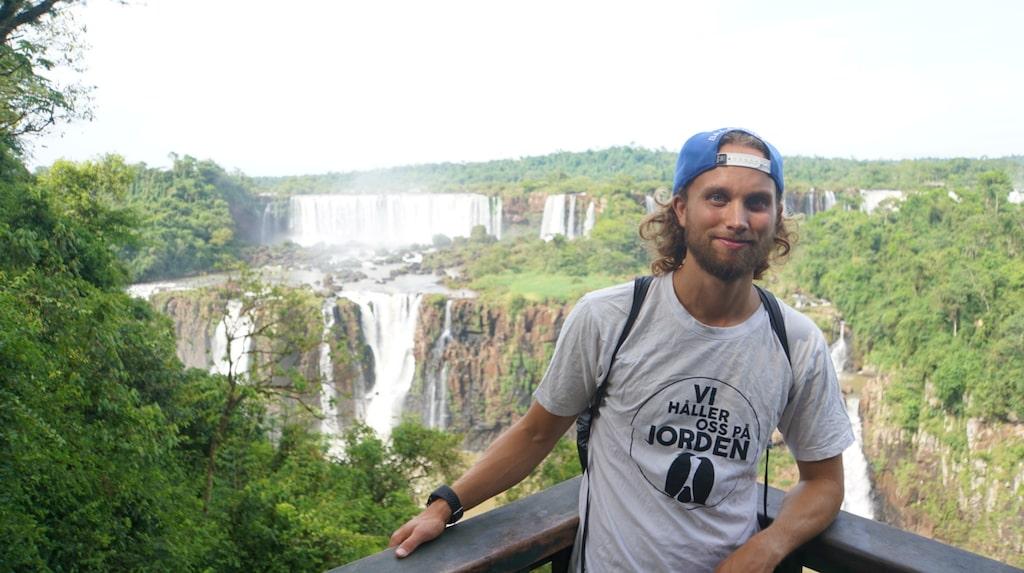 Vid berömda Iguazufallen på gränsen mellan Brasilien och Argentina.