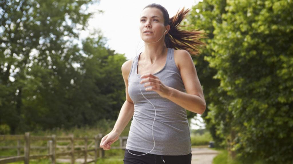 <p>Löpning är ett fantastiskt sätt att hålla kroppen i form, men det är bra att variera löpningen med andra motionsformer.</p>