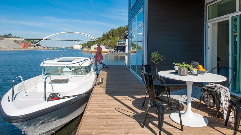 Båtplats invid huset ingår självklart.