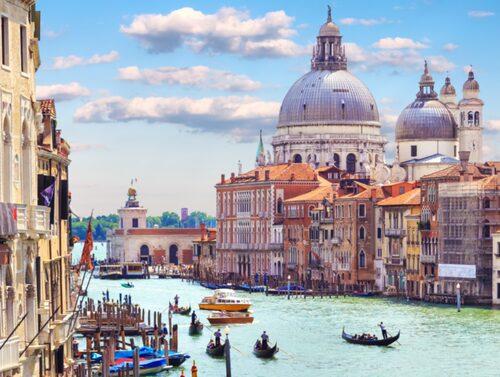 I Venedig känns det som om att allt kan hända.