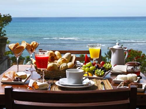 Frukosten kan vara billigare vid incheckning än vid onlinebokning.
