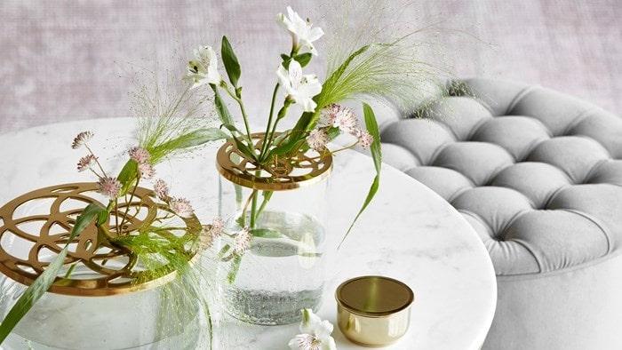 """Mios nya vas """"Lily"""" har många menat är en kopia av vasen """"Äng"""" från Klong."""