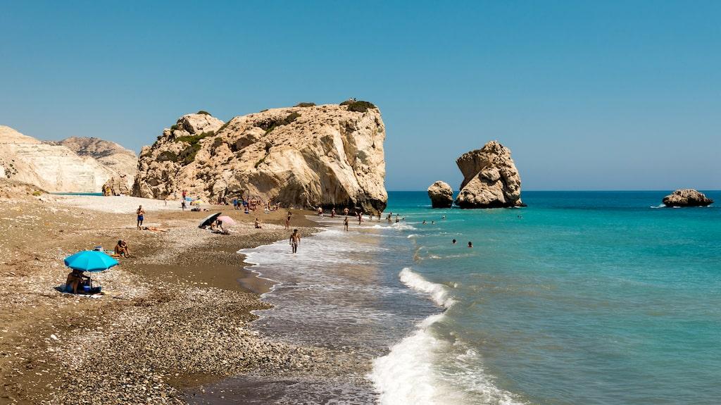 Vackra Cypern, här med Afrodites klippa som historisk bakgrund.