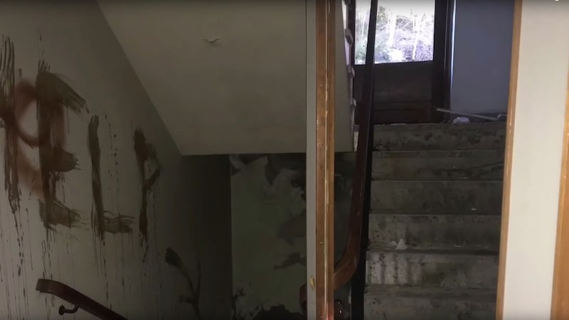 Det gamla mentalsjukhuset har blivit ett populärt besöksmål för nyfikna ungdomar och enligt vissa spökar det här.