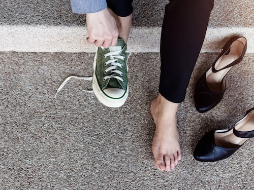 Tar du med dig ett extra par skor för att undvika skoskav?