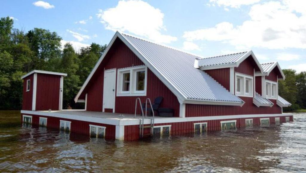 Här är det – det häftiga huset i Mälaren som just nu är till salu för 1,6 miljoner kronor.