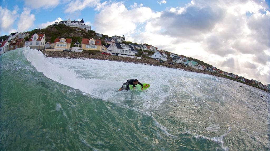 Västliga vindar från Kattegatt gör Mölle till ett måste för svenska surfare.