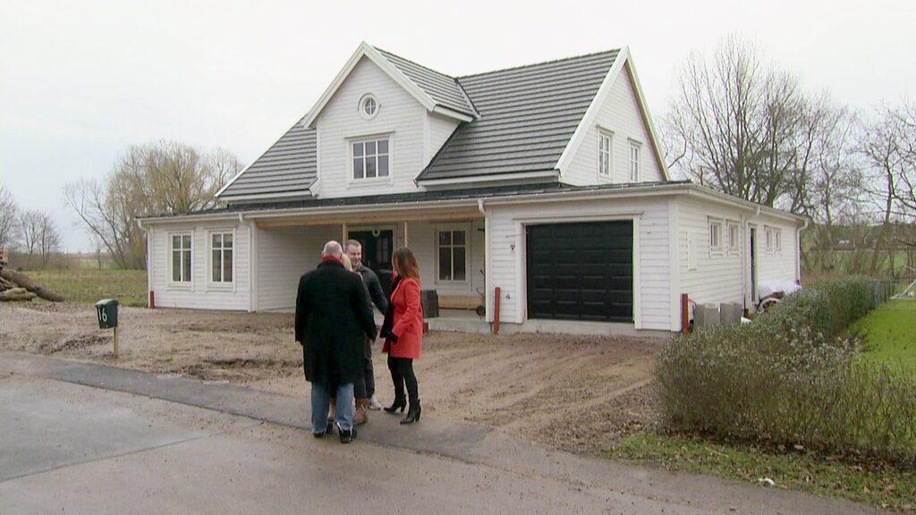 För två säsonger sedan fick vi träffa Jimmy och Linda som drömde om att bygga sin New England-villa i skånska Billeberga.