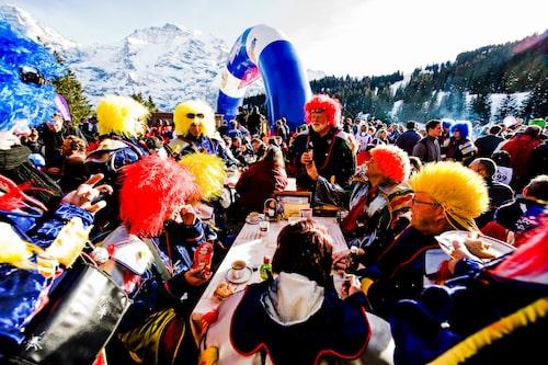Inferno-Rennen är en färgsprakande skidfest som varar i flera dagar.