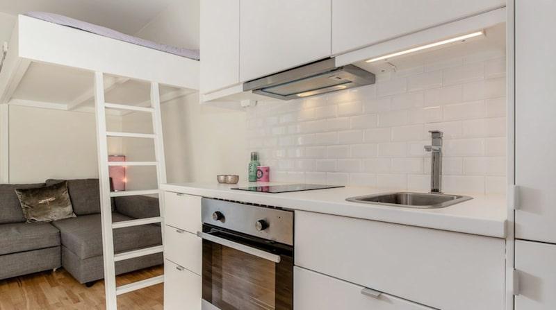 Framför allt handlar de fina minilägenheterna om de stigande bostadspriserna. Många blir tvungna att köpa mindre lägenheter, men har fortfarande hela möblemanget som i ett normalstort hem.