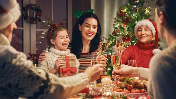 Om alkohol är ett orosmoment inför julen föreslår Maria Farm att man kommunicerar ordentligt kring den. Till exempel kan man bestämma att man inte dricker något förrän efter kvällsmaten.