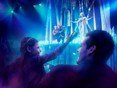 """Karaktärerna i """"Frost"""" kommer till liv på Disneyland Paris."""