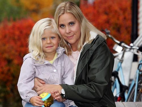 Efter dottern Eijas födelse blev Liza Lindham svårt sjuk. Det visade sig att hon drabbats av den livshotande sjukdomen sepsis.
