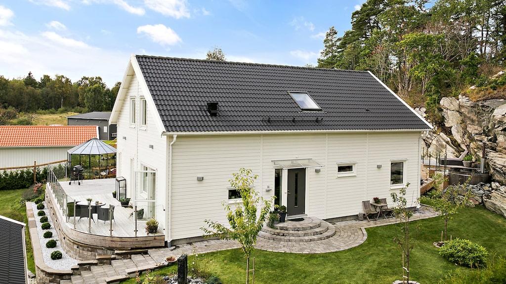 Funderar du på att bygga hus? Här är några villor att inspireras av. Läs mer om Villa Eksjö från Smålandsvillan och många andra hus här nedan.