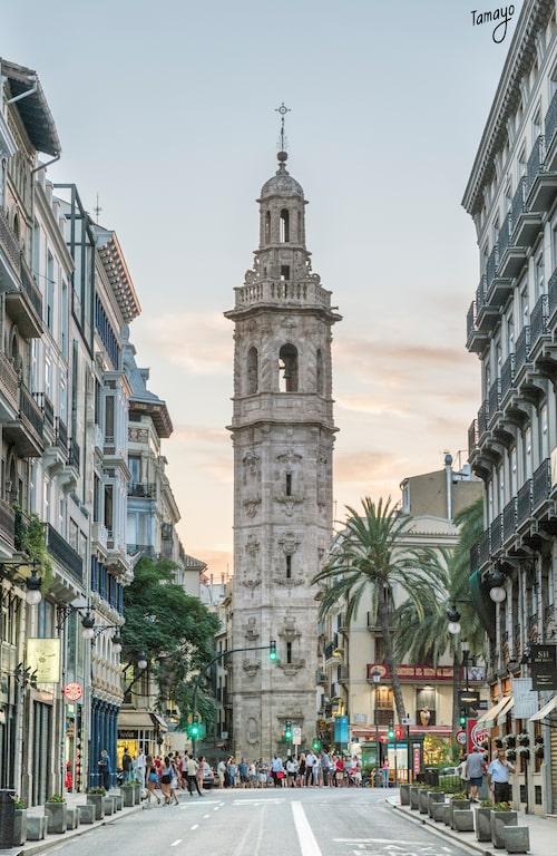 Från klocktornet El Miguelete har man en milsvid utsikt över staden och havet.