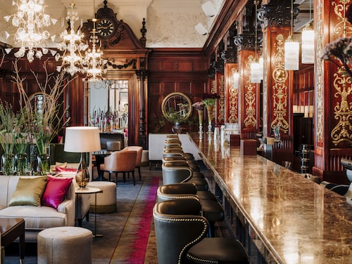 Anrika Cadierbaren på Grand Hotel.