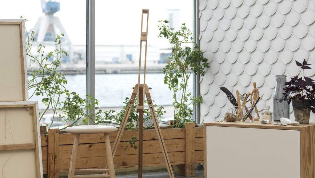 Eco wallpapers senaste tapetkollektion innehåller mönster skapade av den skandinaviska designgruppen Front. Kollektionen består av en serie tapetmönster baserade på olika skuggtekniker. I butik från den 13 januari, 589 kronor per rulle.