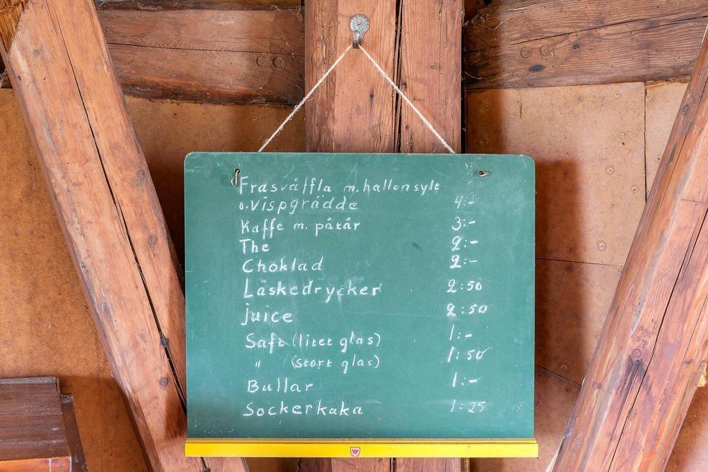 """Kvarnen kallades tidigare """"Våffelkvarnen"""" då moderatledaren Yngve Holmbergs fru hade café."""