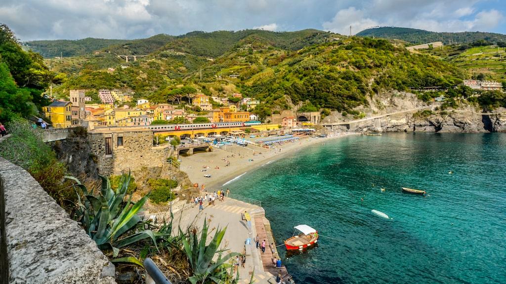 Italien är ett populärt resmål med tåg under sommaren, och ofta fullt med folk.