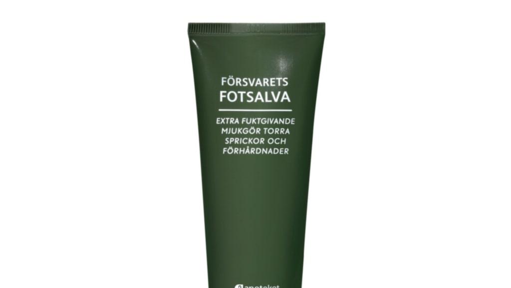Bonustips! Försvarets hudsalva har utökat familjen och finns numera också som återfuktande fotsalva, 79 kronor/75 ml, Apoteket.se