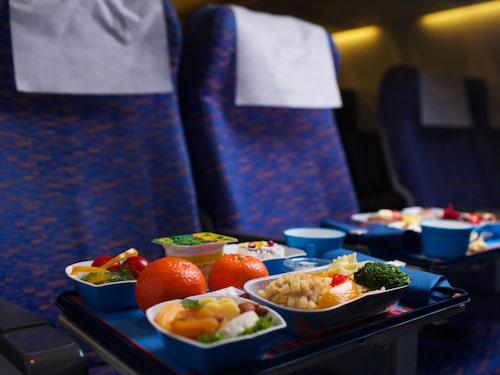 Tycker du att flygplansmaten är smaklös? Det är inte så konstigt.