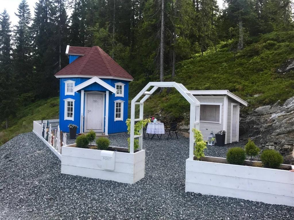 Huset är dessutom isolerat så man kan använda det året om. Allt som allt gick det loss på cirka 60 000 kronor.