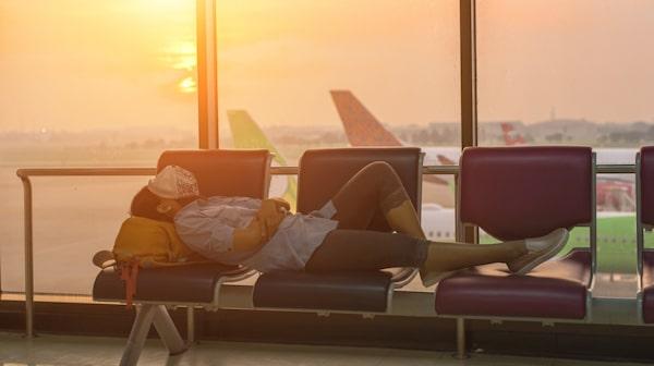 Att tillbringa lång tid på en flygplats är varken skönt eller vidare ekonomiskt.