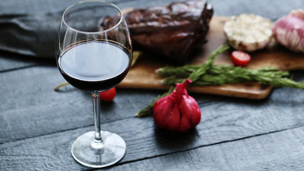 Experten tipsar om riktigt goda rödviner till grillat kött.