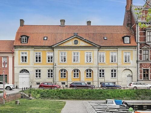 Gamla Kassan i Landskrona för 22,8 miljoner kronor.