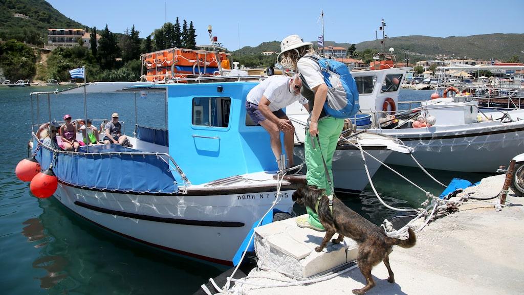 Båtutflykt till Marathonissi, som kallas Sköldpaddsön.