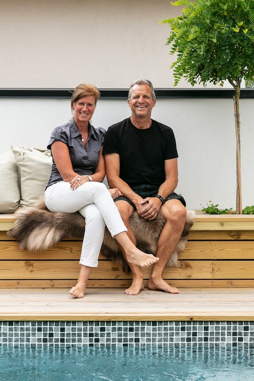 När Anders och Yvette Lindell byggde sitt drömhus var poolen självklar. Anders driver eget företag inom poolbranschen.