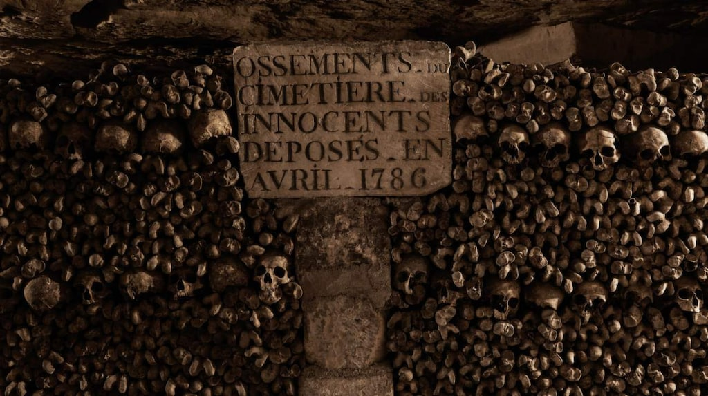 I dag ryms här över sex miljoner skelett.