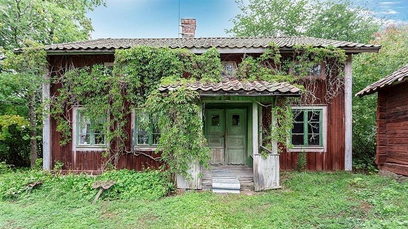 Den gamla bondgården från 1800-talet är ett av husen som LEVA&BO:s läsare gillade att läsa mest om 2019. Enligt mäklaren var huset närmast ett museum.