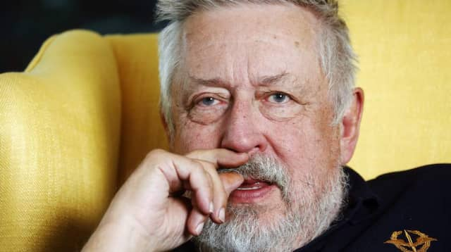 Leif gw persson lagg ner efterlyst
