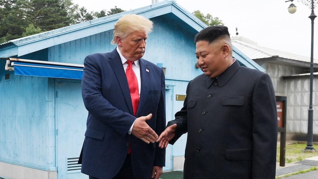 USA:s president Donald Trump och Nordkoreas ledare Kim Jong Un skakade hand så sent som i juni.