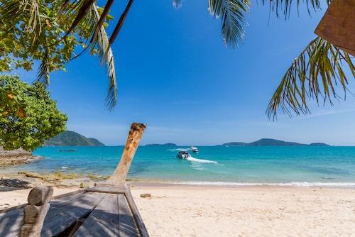 Populära Bangtao Beach ligger på Phukets västkust.