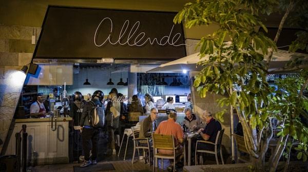 På Allende har maten sin grund i det moderna spanska köket.