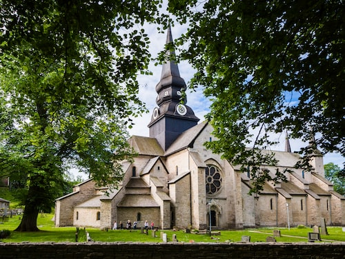 I Varnhems klosterkyrka ligger Birger Jarl begravd.