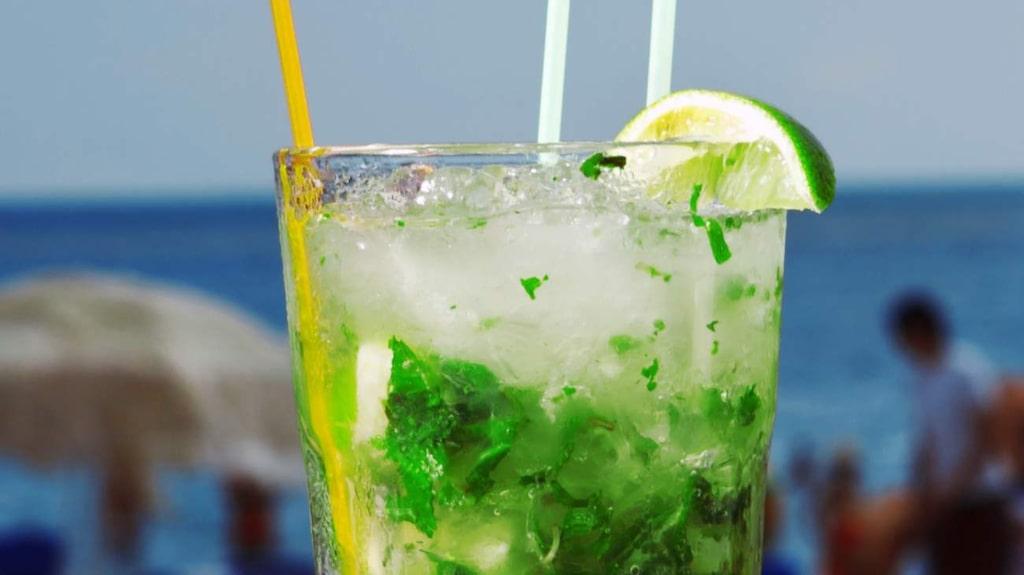 <p>Mojito är en av de drinkarna som är värst på listan...</p>