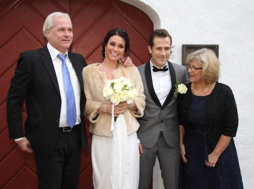 Sonens bröllop. Sonen Tobias Hysén, fotbollsspelare, gifter sig i Falkenberg, 2014, med Maria Kaspersson.