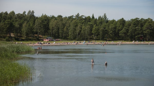 Havsbadet ligger i vackra naturreservatet på Gålö.