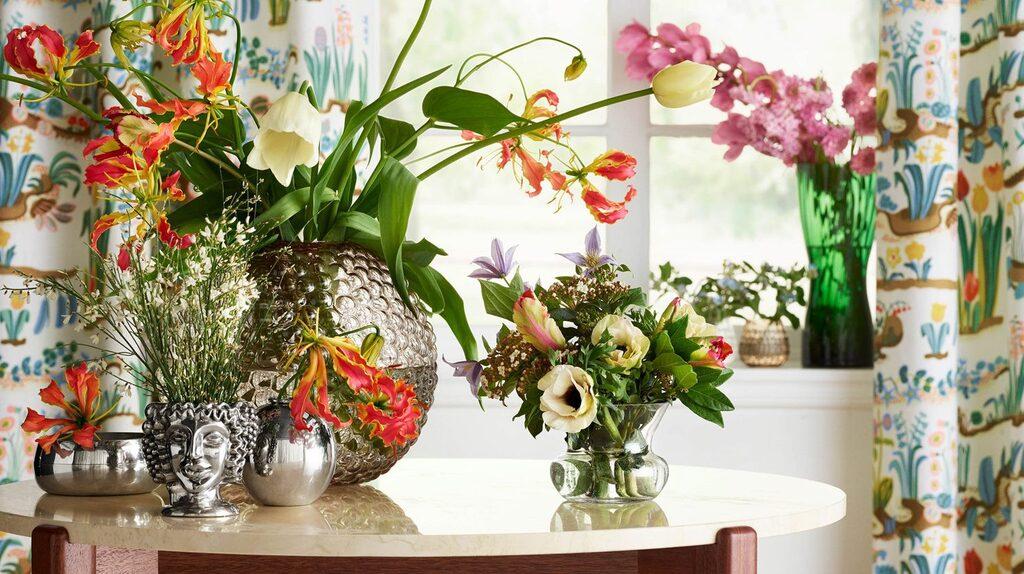 Vem vill inte ha en designklassiker i sitt hem? Här finns mycket fint att välja på. Vaser, krukor, ljusstakar, kuddar, etc. Svenskt Tenn är alltid ett säkert kort, och på Royal Design hittar man alla kända saker så som Klong-vasen och Clodykrukan.