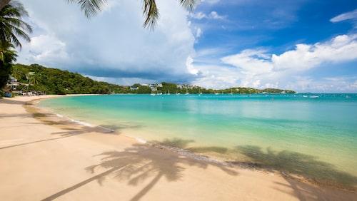 Lite grövre sand men enastående vackert på Panwa Beach.
