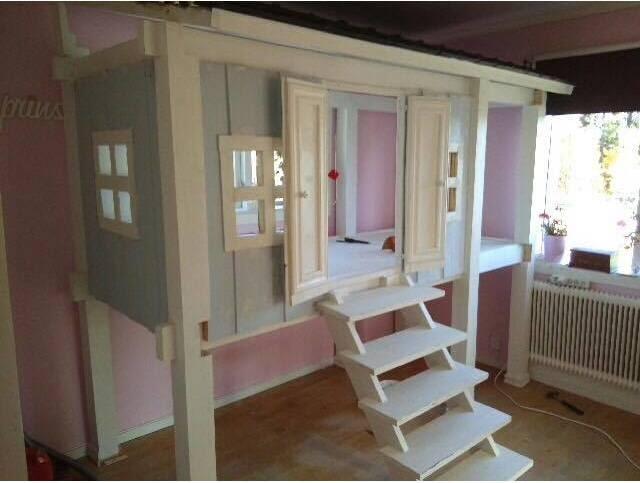 Huset har fått hundratals med positiva kommentarer och tusentals likes på Facebook.