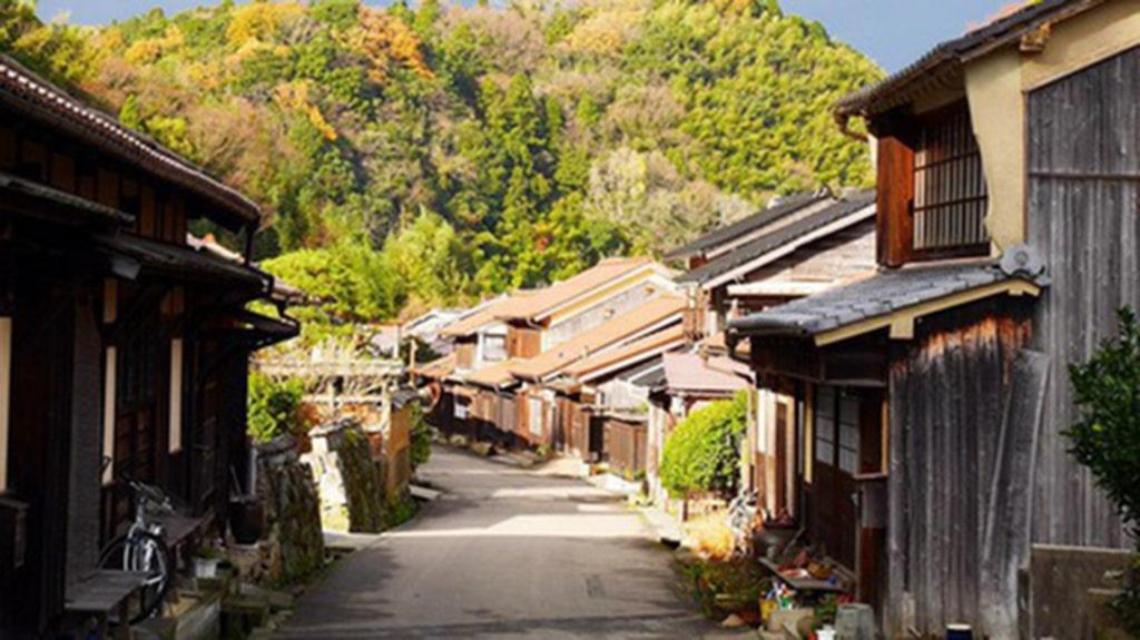 <p>Omori i Japan är inte alls byggs för turism.</p><p>Foto: Instagram</p>
