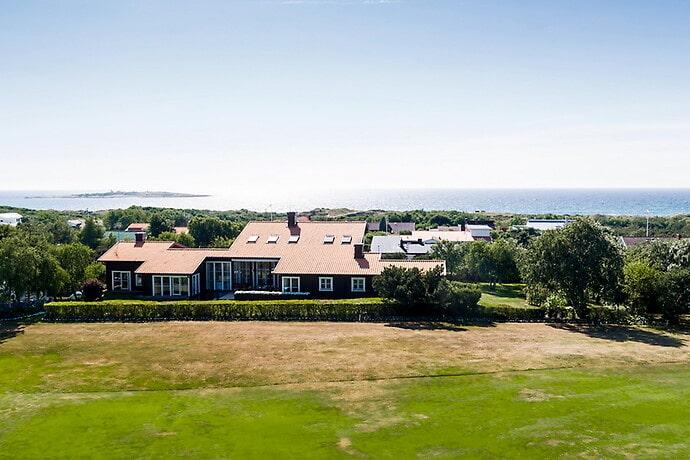 Villa i Tylösand för 36,3 miljoner kronor.