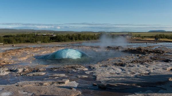 Den mest aktiva gejsern på Island heter Stokkur och ligger i dalen Haukadalur.