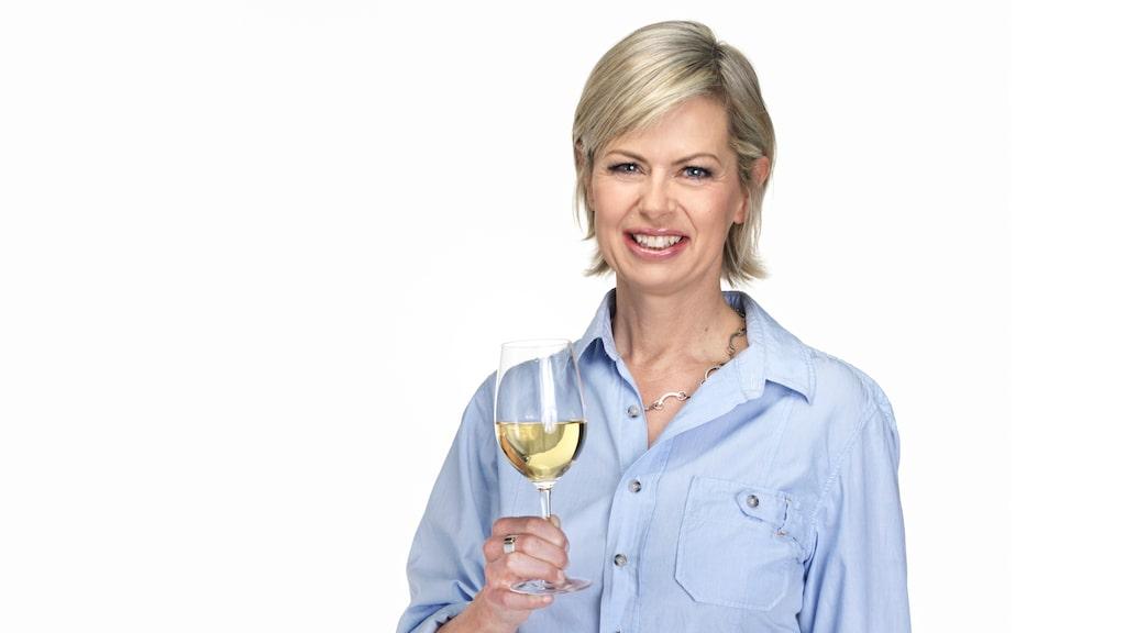 Om du gillar vitt vin passar druvan chardonnay utmärkt till karljohansvampen, säger vinexperten Gunilla Hultgren Karell.