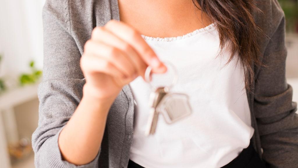 Att hyra eller hyra ut i andra hand har nästan fördubblats. Vet du inte vad som gäller kan du förlora både bostad och pengar. Här är alla regler och andra tips du någonsin behöver ha!