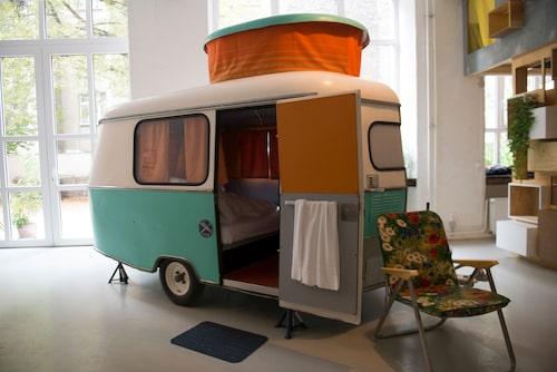 Vill du bo i en gammal DDR-husvagn är Hüttenpalast stället för dig.